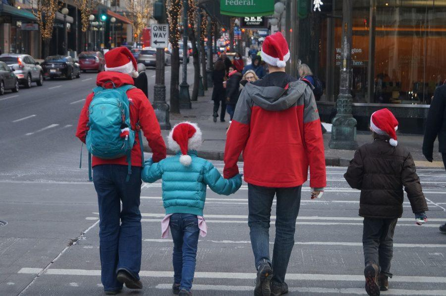 Christmas in Seattle Draws Crowds to Downtown