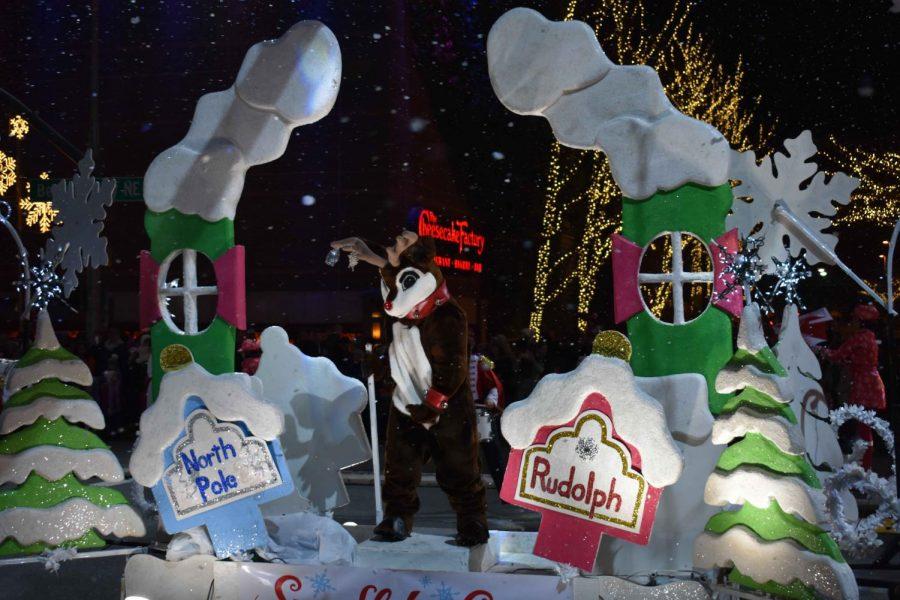 Students Spread Christmas Cheer at Snowflake Lane